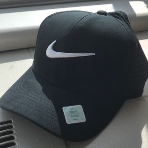 Nike Golf Dri-Fit Hat Black/White Size: YOUTH NWT